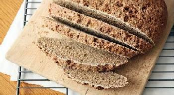 Domači kruh črni