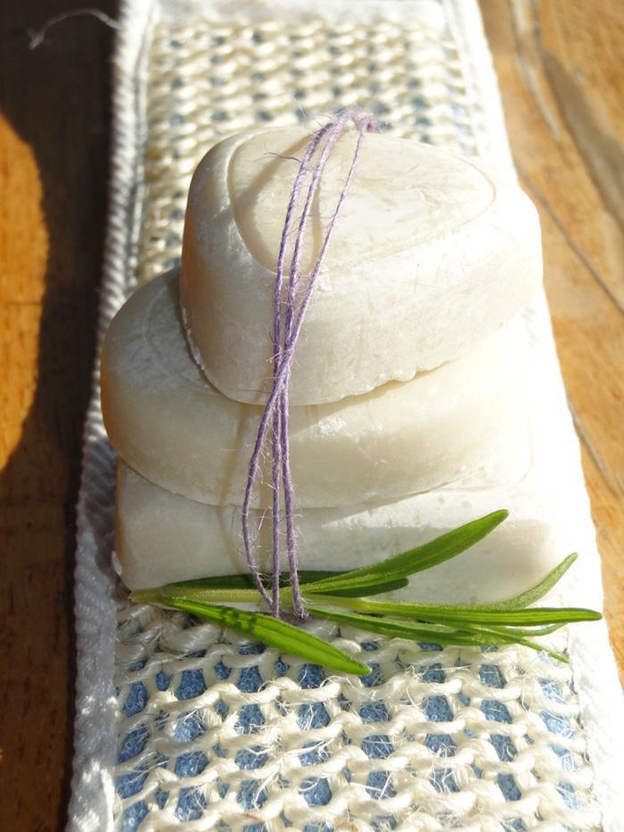 Velika milna ustvarjalnica - izdelajmo naravna domača mila, šampone in peneče kopeli